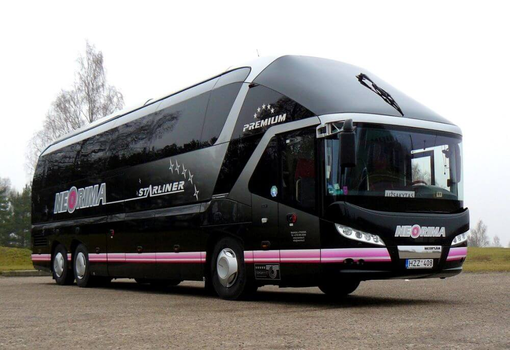 Autobusas Neoplan Starliner. Autobusų nuoma.